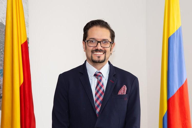 Carlos Reverón